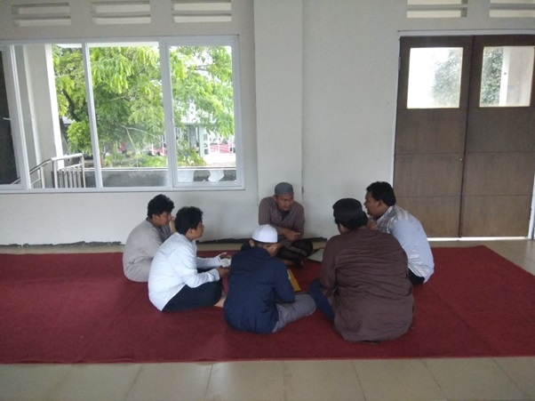 Menyelami Kehidupan Religi