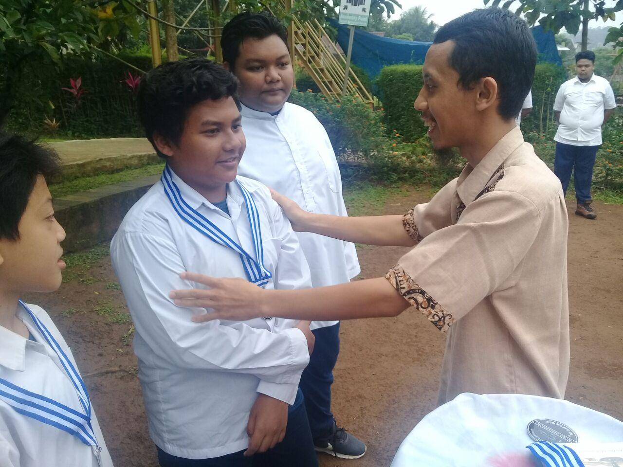 Penghargaan Triwulan SMP Islam Ibnu Hajar